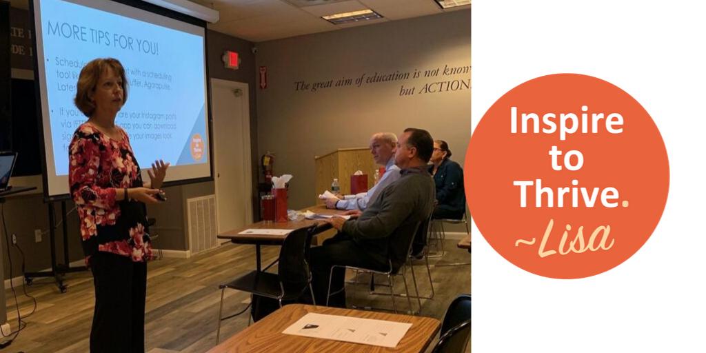 Lisa Sicard teaching an Instagram Class for beginners